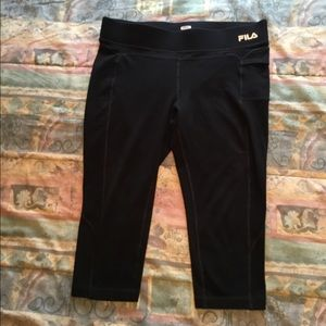 Fila capris with side pocket